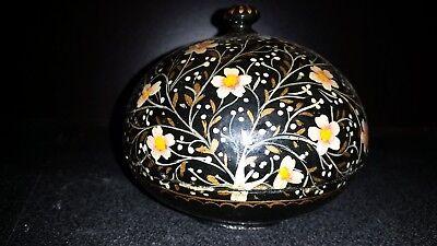 Dapper Ancienne Boite A Pilules Bijoux Papier Mache Carton Bouilli Motif Floral Deco
