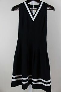 H-amp-M-Polyester-Blend-Stretch-Black-W-Ivory-Pleated-Fit-amp-Flare-Dress-Size-4
