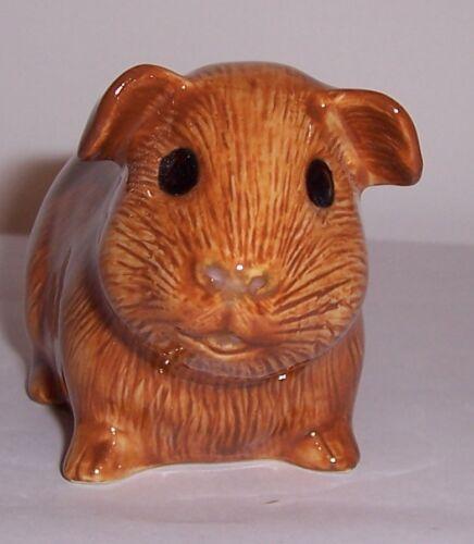 QUAIL Guinea pig Figure Red