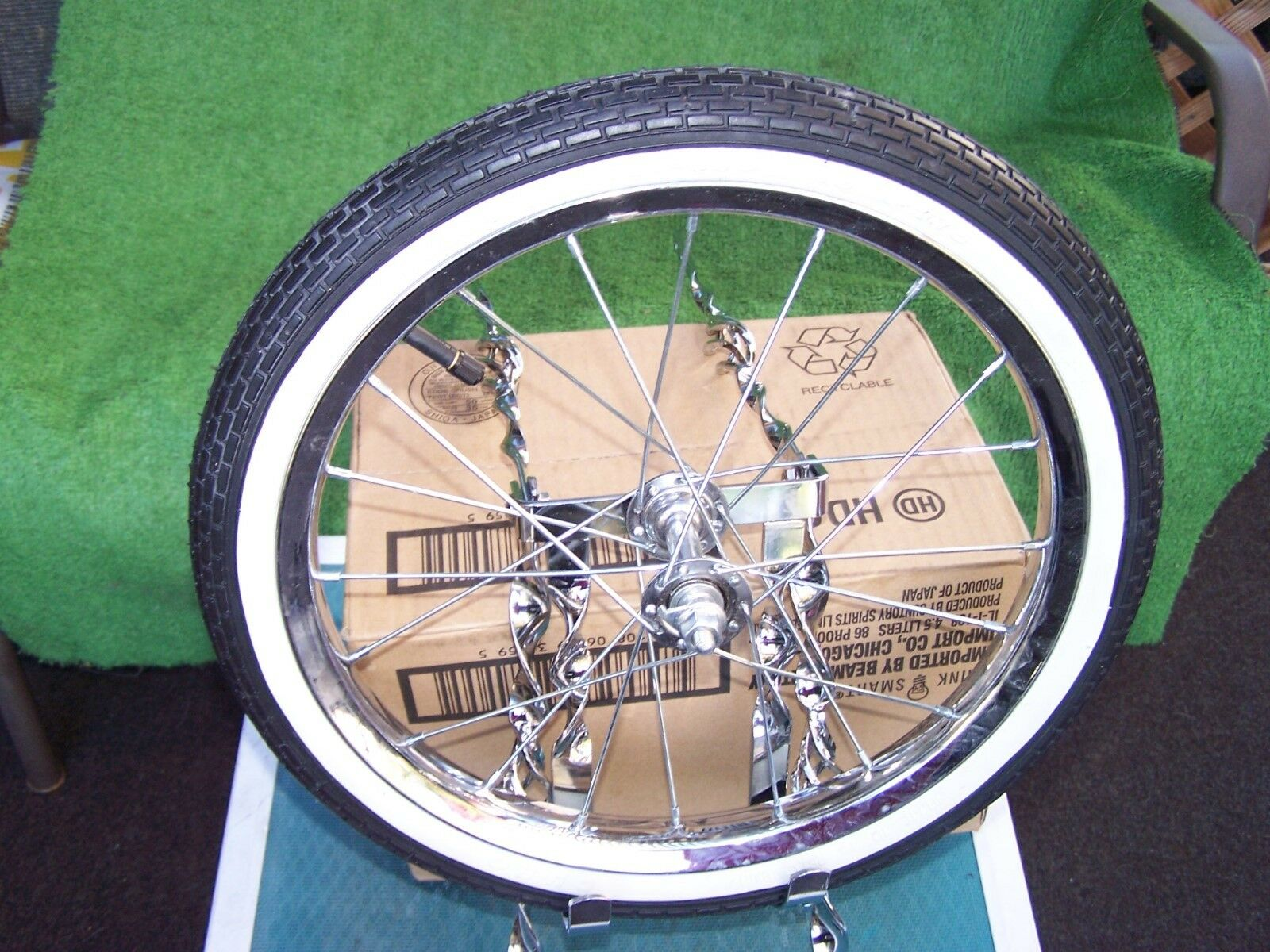 CAGE  SPARE TIRE  KIT TWISTED WITH WHEEL TIRE  BIKE  BMX LOWRIDER NEW
