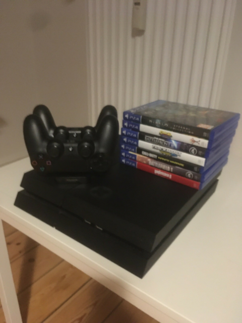 Playstation 4, Perfekt, Min PS4 m. 500gb er til salg. Den…