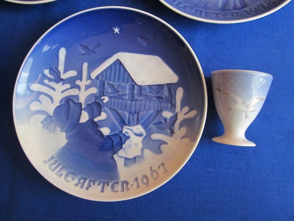 Porcelæn, juletallerkener og æggebeger., B&G.