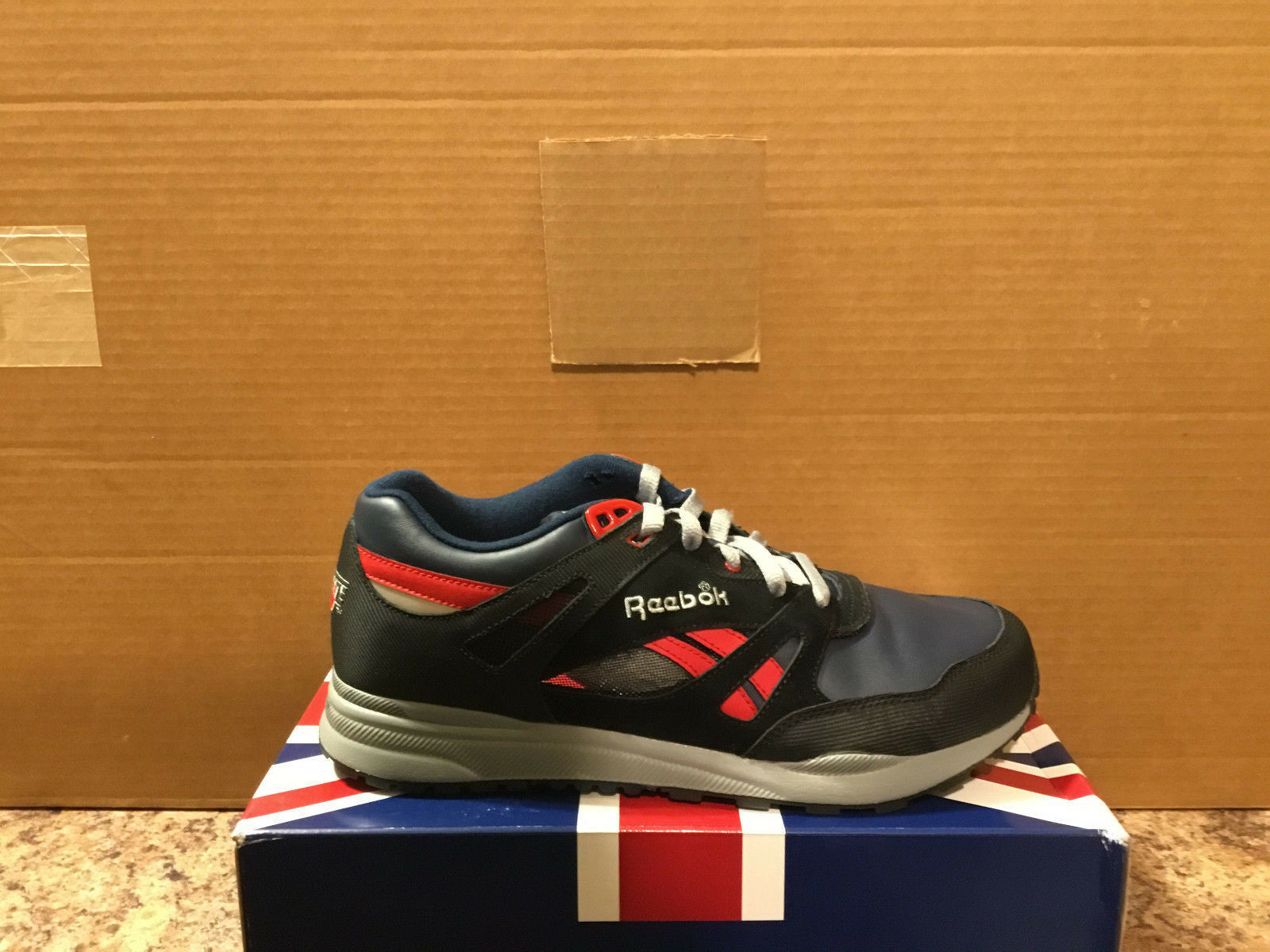 REEBOK VENTILATOR style 165462 men's size US10-HARD TOO FIND COLORWAY