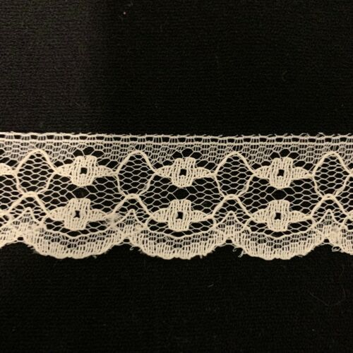 """Vintage Ecru Unbranded Flat Lace Trim 1/"""" Wide 19 Yards NOS Made in USA"""