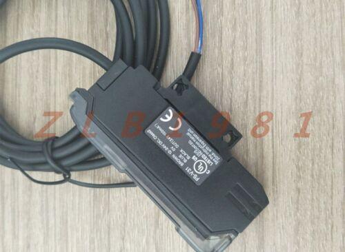 ONE NEW KEYENCE FS-V31 Fiber Amplifier