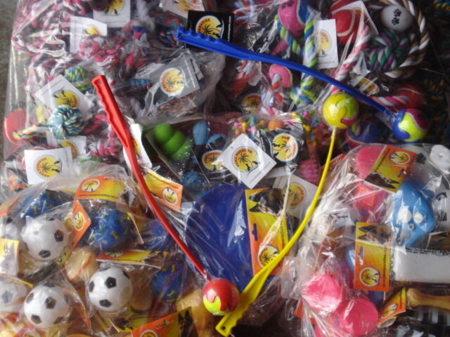 Wholesalers Joblot 100 dog & puppy toys Squeaky, Rope, Rubber, Xmas gift