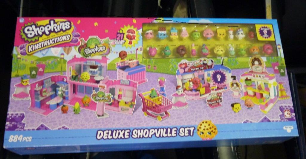 NEW IN BOX SHOPKINS 884 PIECE DELUXE SHOPVILLE SET