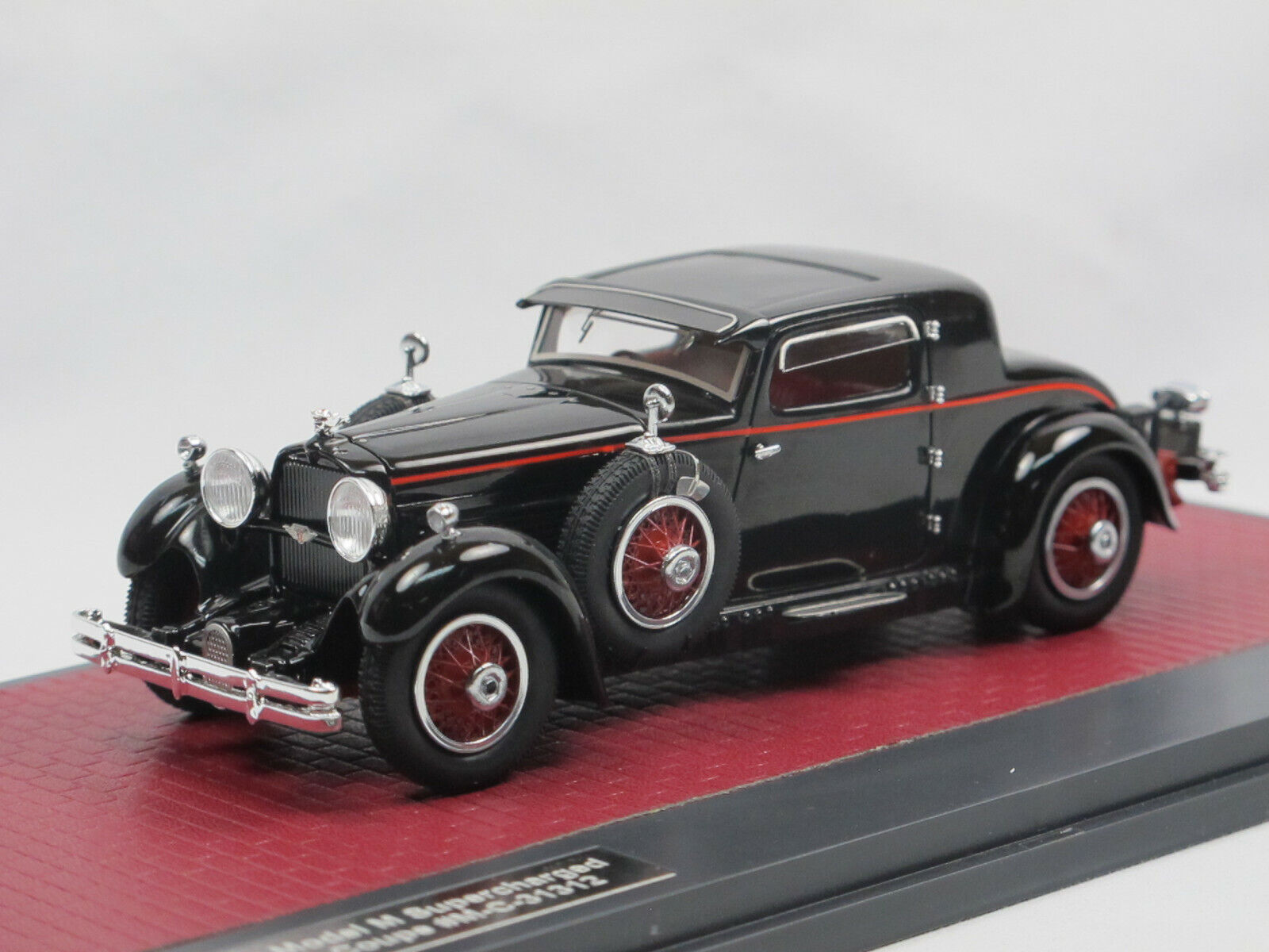 Matrix Scale Models Stutz Model M Supercharged Lancefield Coupe geschlossen 1 43