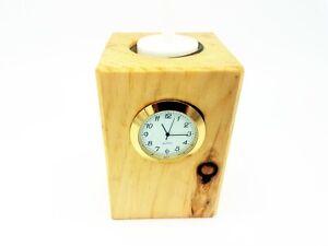 Zirbendeko fürs Büro oder Zuhause - inklusive Quarz-Uhr und LED Teelicht