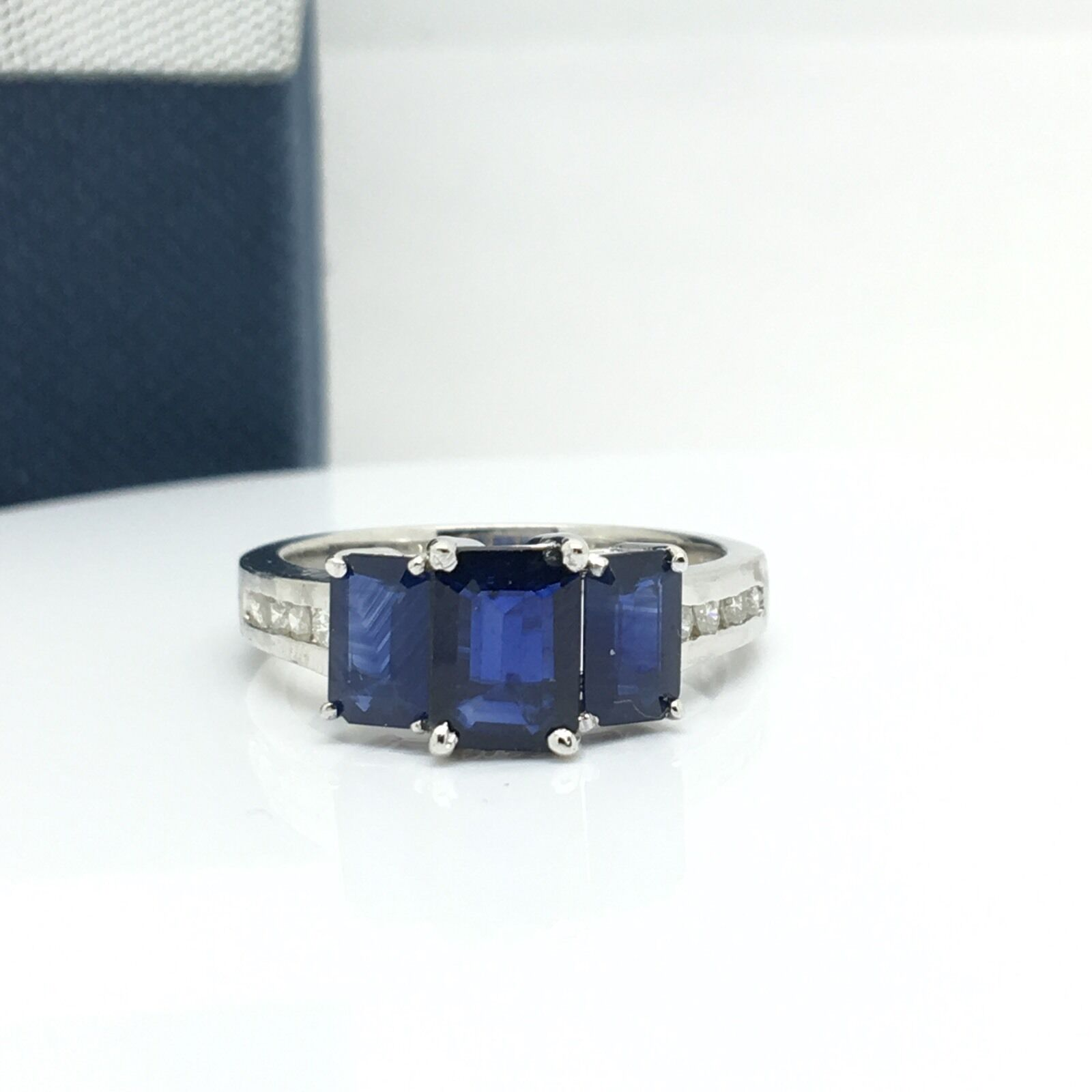14k White gold 3 Sapphires And Diamond Ring