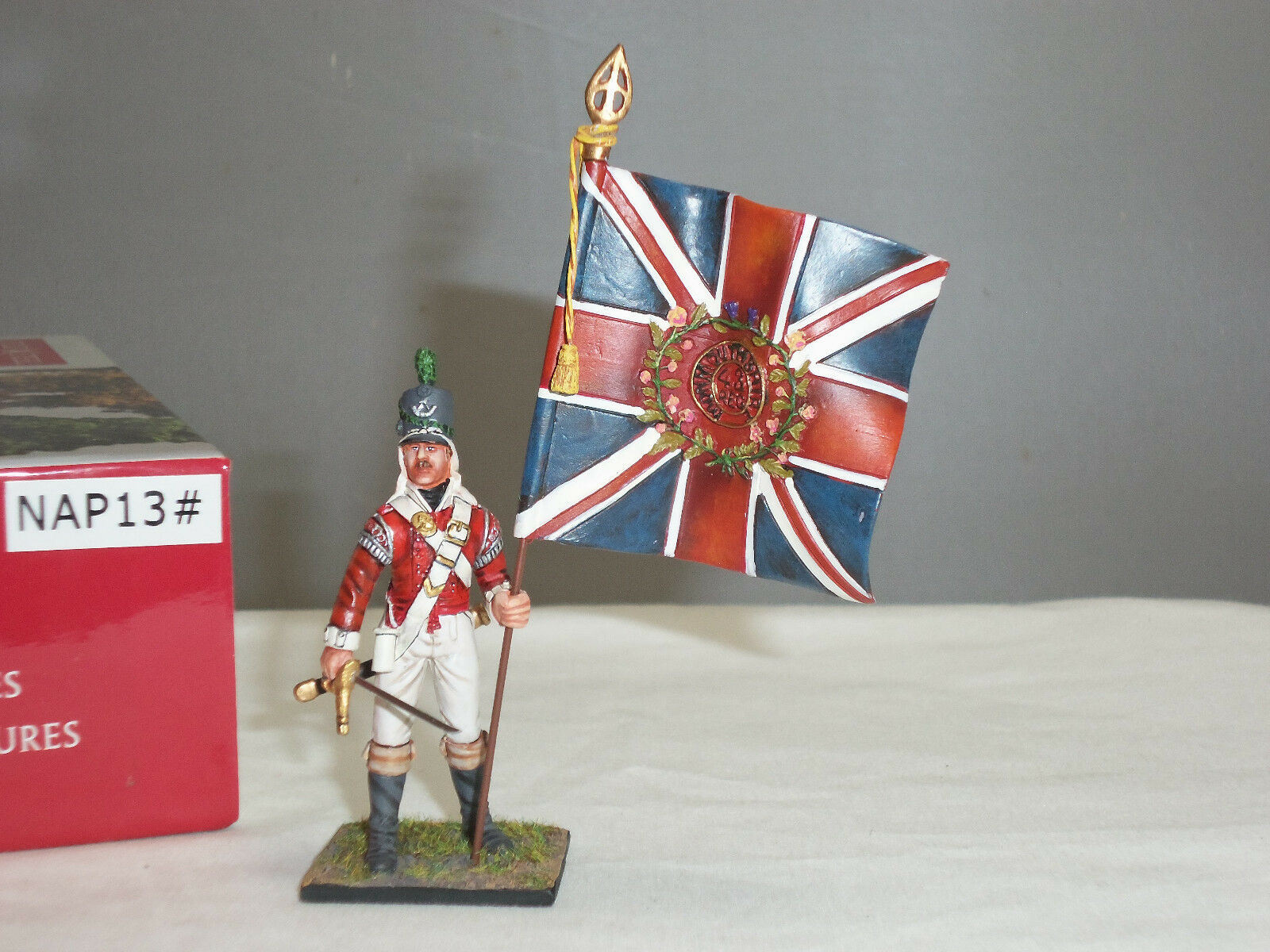 CENTURION NAP013 BRITISH 43RD LIGHT INFANTRY OFFICER WITH KINGS COLOURS FIGURE