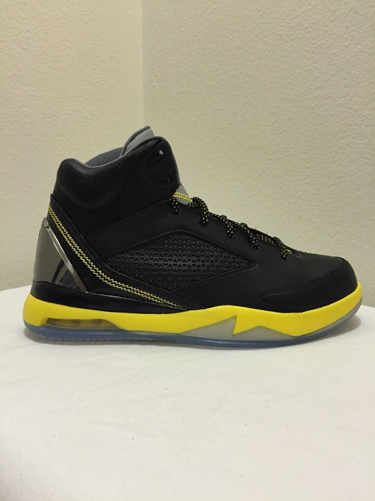 Le scarpe nike air jordan di nero pallacanestro Uomo volo remix nero di / giallo 679680 070 e0a1a4