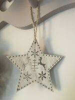 Wooden Shabby Chic Christmas Hanging Star Decoration Reindeer Snowflake