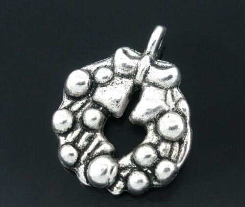10 ANTIQUE SILVER CHRISTMAS WREATH//GARLAND CHARM~21x17mm~Cards~Wine Glass X31