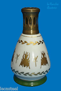 Lampe-Berger-E-P-porcelaine-decor-empire-abeilles-imperiales