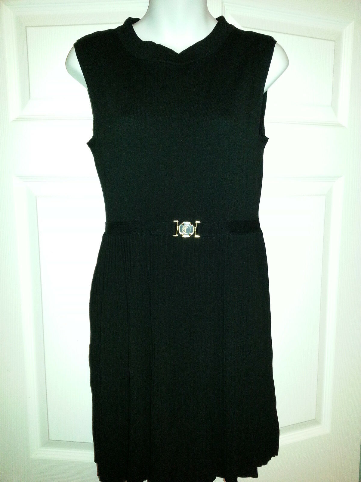 VERSACE WOMEN'S SLEEVELESS RIBBED DRESS BRAND BRAND BRAND NEW WITH TAGS SIZE 8 US REG  495 cfc9d0