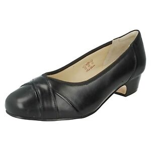 LADIES-EQUITY-BLOCK-LOW-HEEL-SLIP-ON-LEATHER-COURT-SHOES-4E-FIT-CRESSIDA-905619