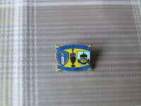 LEEDS United v BURNLEY 2011 - 2012 Championship Game FOOTBALL Pin Badge