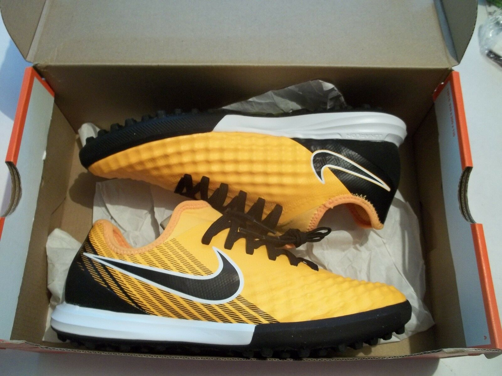 NIB Nike Magistax Finale II TF Men's Size 7.5 Turf Soccer Shoes 844446-801