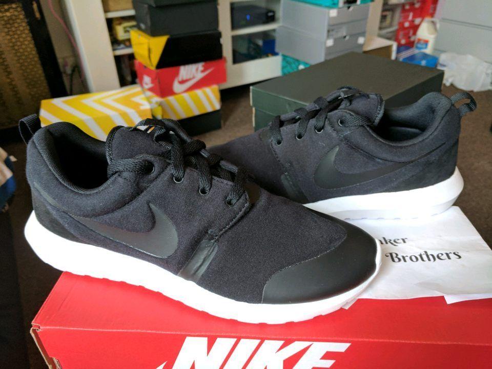 Nike Roshe NM TP Natural Motion Tech Fleece Pack Triple Black One Run 749658-001