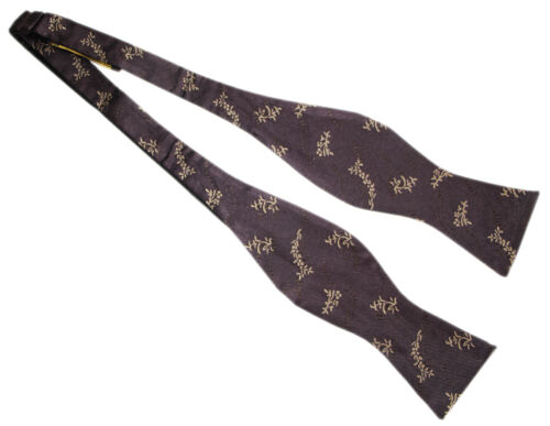 DOCTOR WHO Style 11th Doctor JOURNEY BOW TIE by Magnoli Clothiers