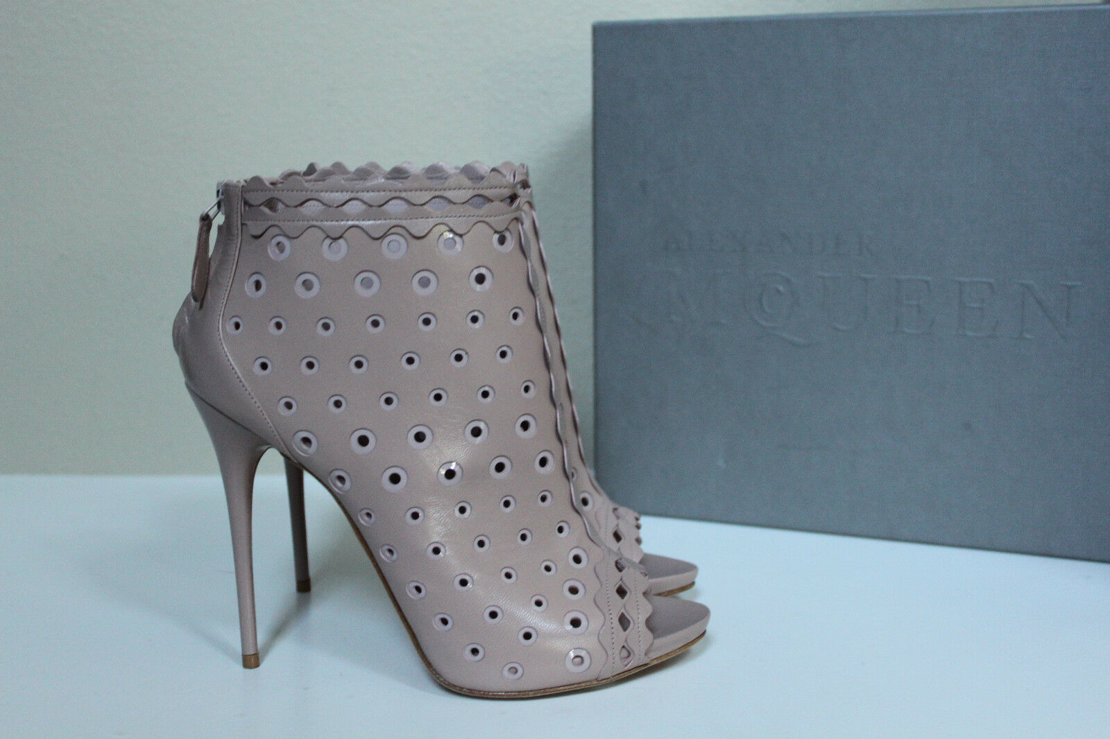 New 9 sz 9 New / 39 Alexander McQueen Blush Leather Ankle Caged Boot Sandal Pump Shoes 220424