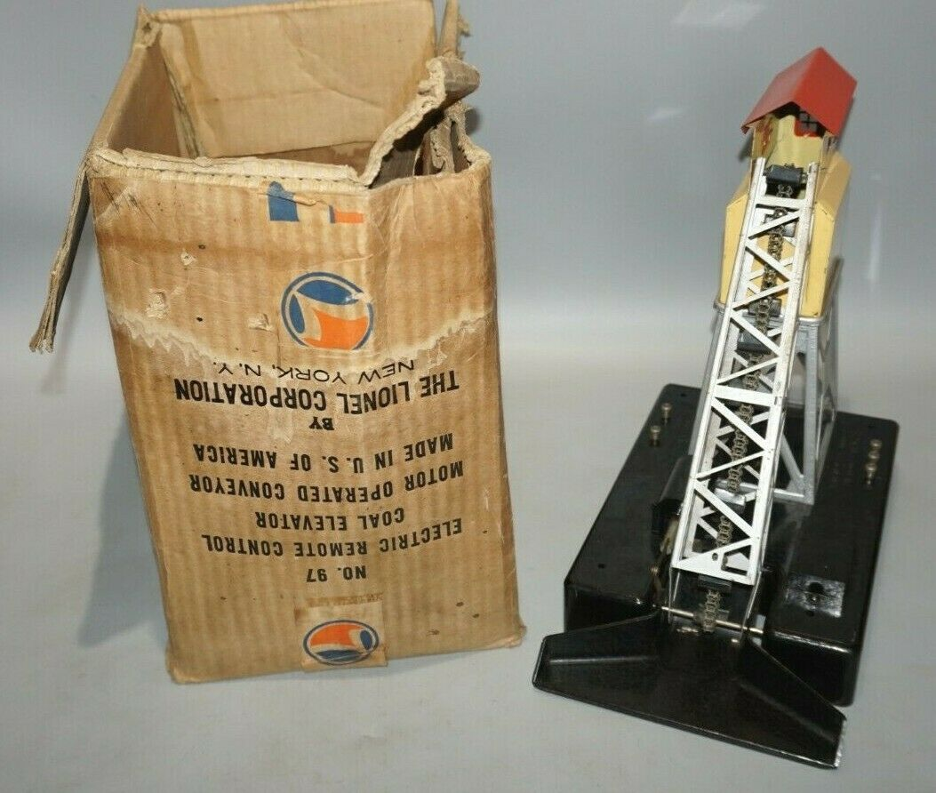 VINTAGE LIONEL ELECTRIC COAL ELEVATOR ACCESSORY O-GAUGE WITH ORIGINAL BOX