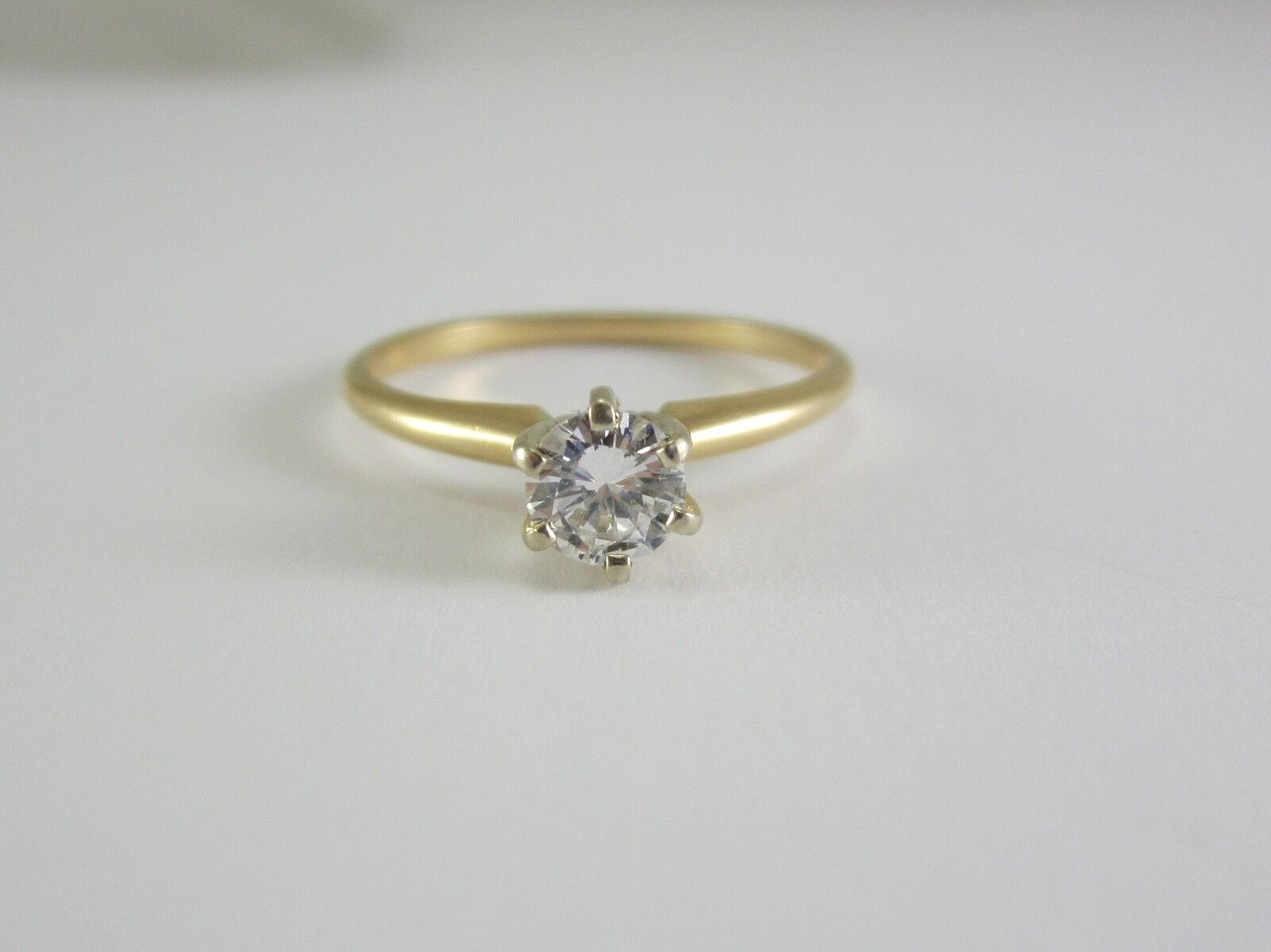 BEAUTIFUL LADIES 14K gold 0.40CT. DIAMOND SOLITAIRE ENGAGEMENT RING 1.8G