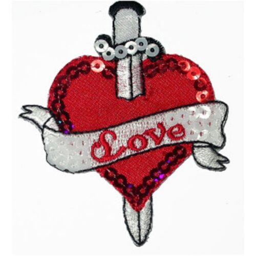 Brodé rouge /& Sequinned cœur avec poignard sur applique en fer x 1
