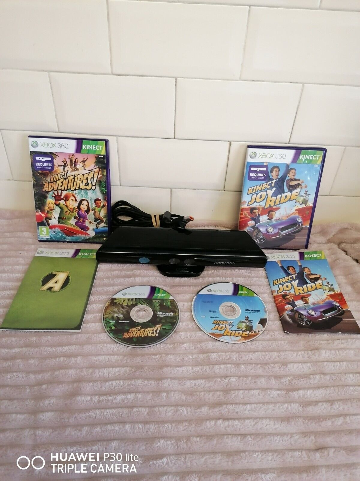 Xbox 360 kinect Sensor with 2 games tested working