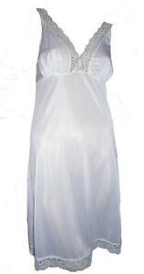 White-Full-Slip-Deep-Lace-V-Neck-Size-16-Cling-Resist-Anti-Static-Underskirt
