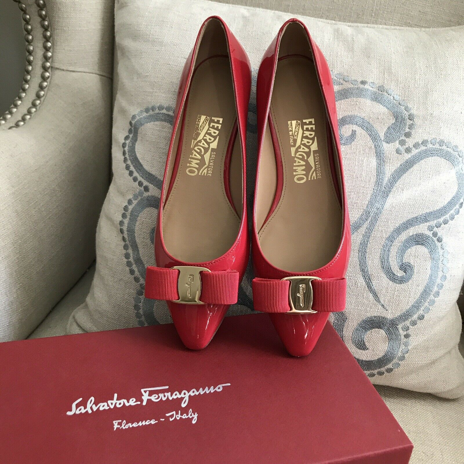 NIB Auth Salvatore Ferragamo Emy Red Leather Womens Flats shoes Size 5.5 525