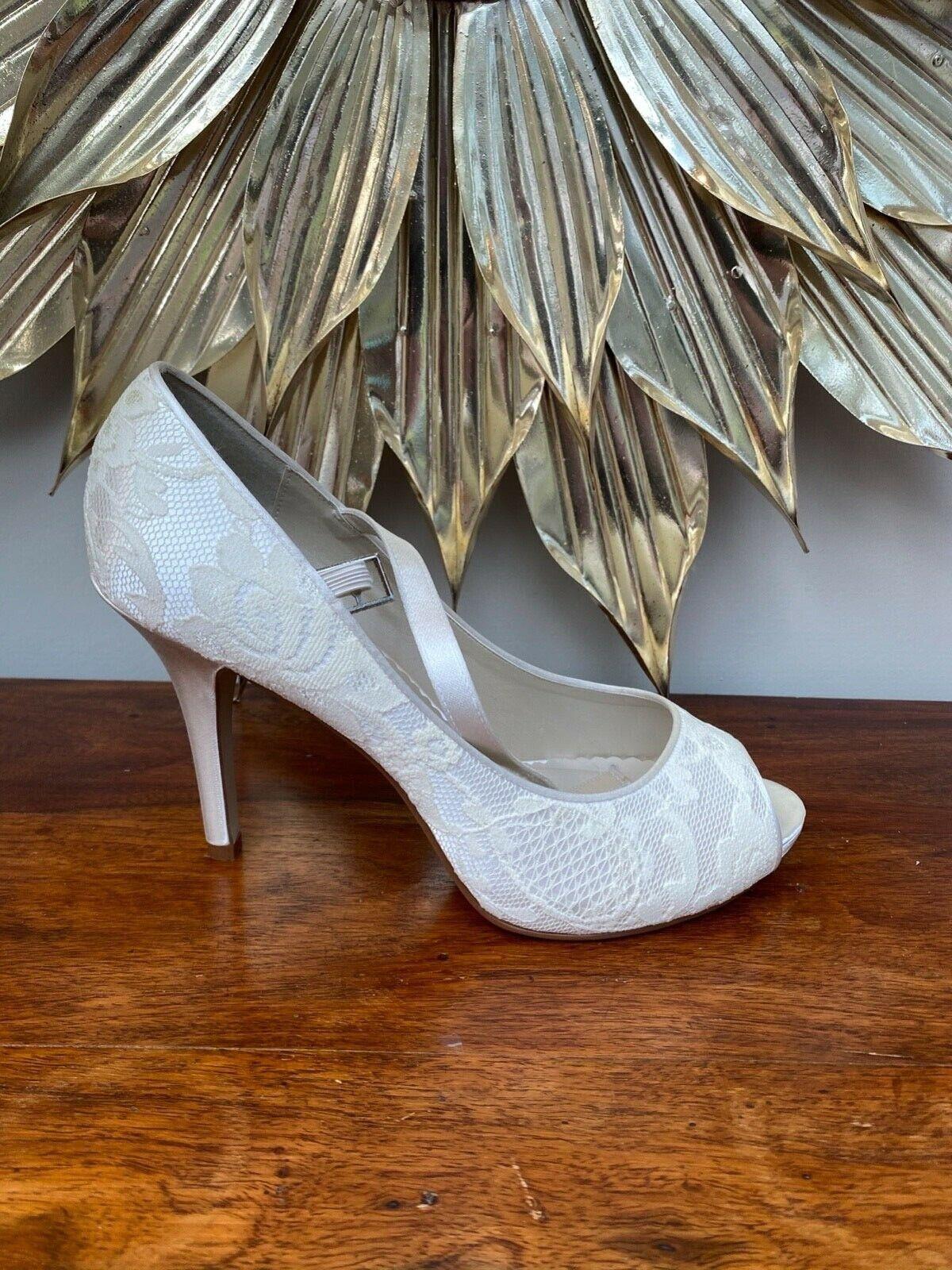 Rainbow Club 'Nina' Ivory Satin wedding shoes, UK7/40