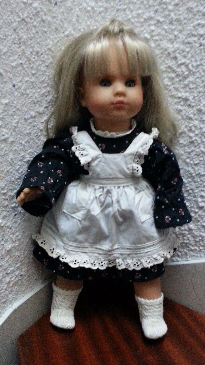 Max Zapf Doll - Model 50 17 - 1985 mit Dollnzeug ; 50 cm ;  bewegliche Augen