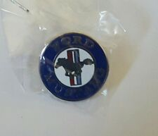 CLASSIC FORD RED WHITE & BLUE MUSTANG HORSE CAR AUTOMOBILE  LAPEL PIN BADGE