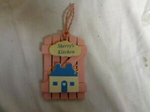 Sherry-039-s-Kitchen-Pink-Wood-amp-Blue-House-RUSS-Refrigerator-Magnets