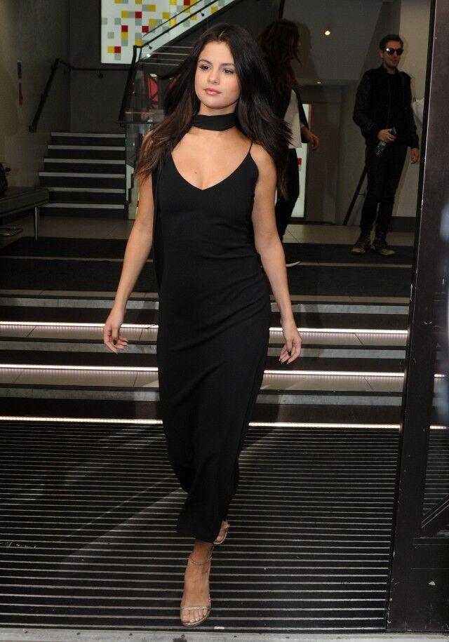 Neuf avec étiquettes 400   EquipHommest Racquel Soie Slip Robe-encre-Selena Gomez-Medium M