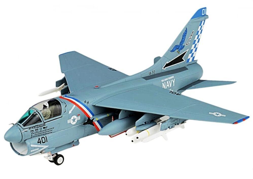 JCW72A7001 1 72 A-7E Corsair II VA-72 Bleu bleu Hawks USS JFK CV-67 Desert Storm 1991