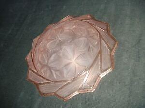 Vasque-de-plafonnier-lustre-Art-deco-en-verre-moule-presse