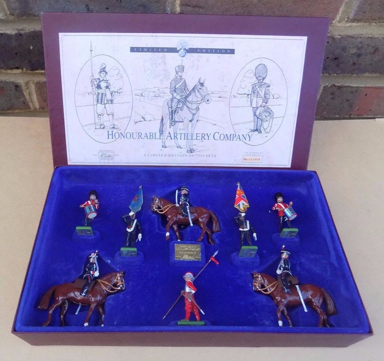 BRITAINS Soldier Set - The Honourable Artillery Company 5291