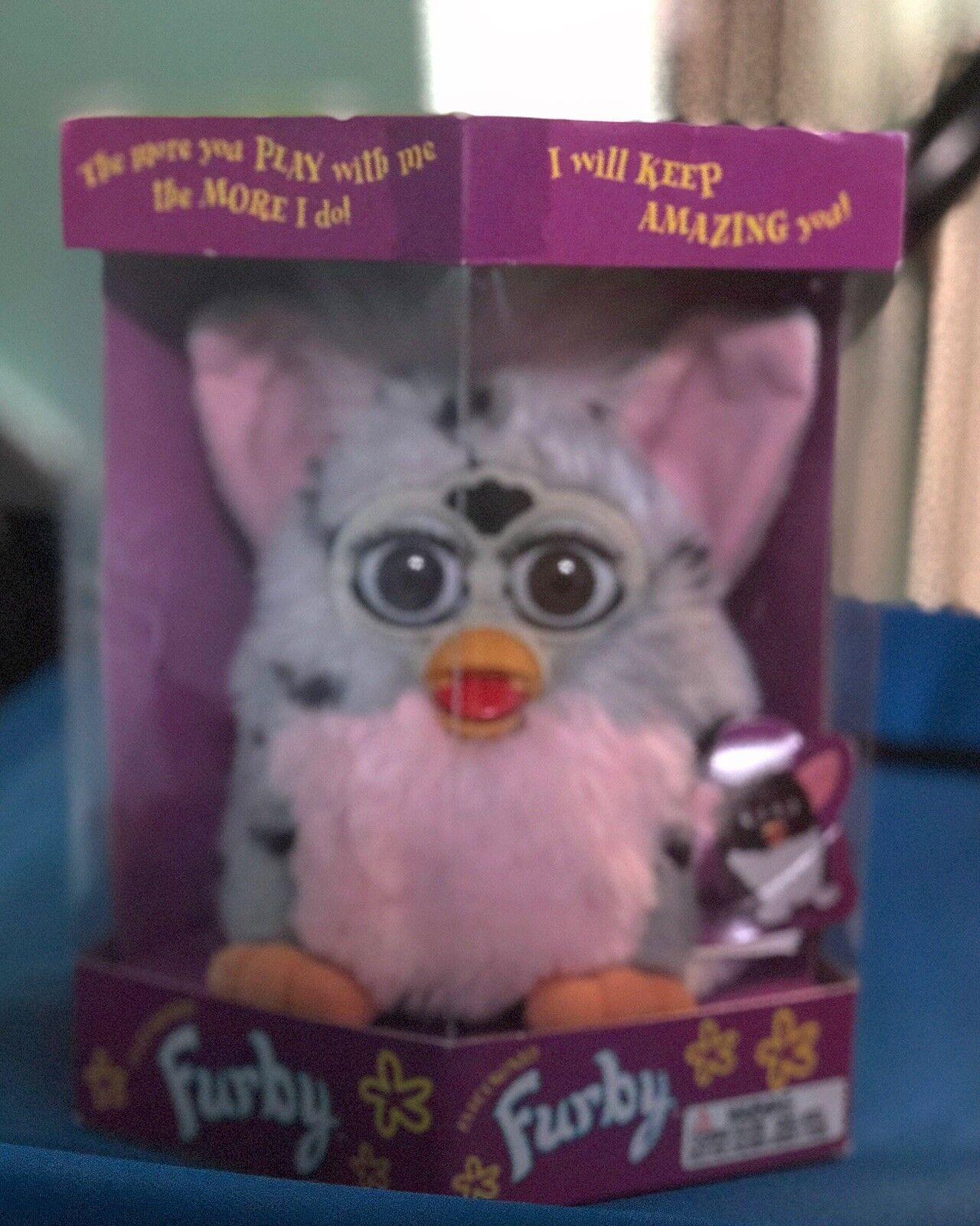NIB Original Furby 1998 in Box Model 70-800 rosa