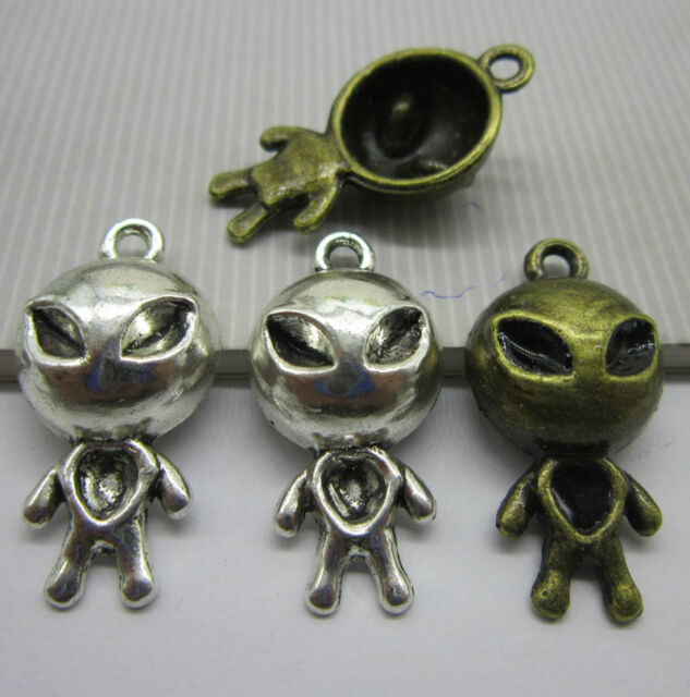 wholesale 8/24pcs Retro Style ancient silver alloy aliens delicat Charm pendant
