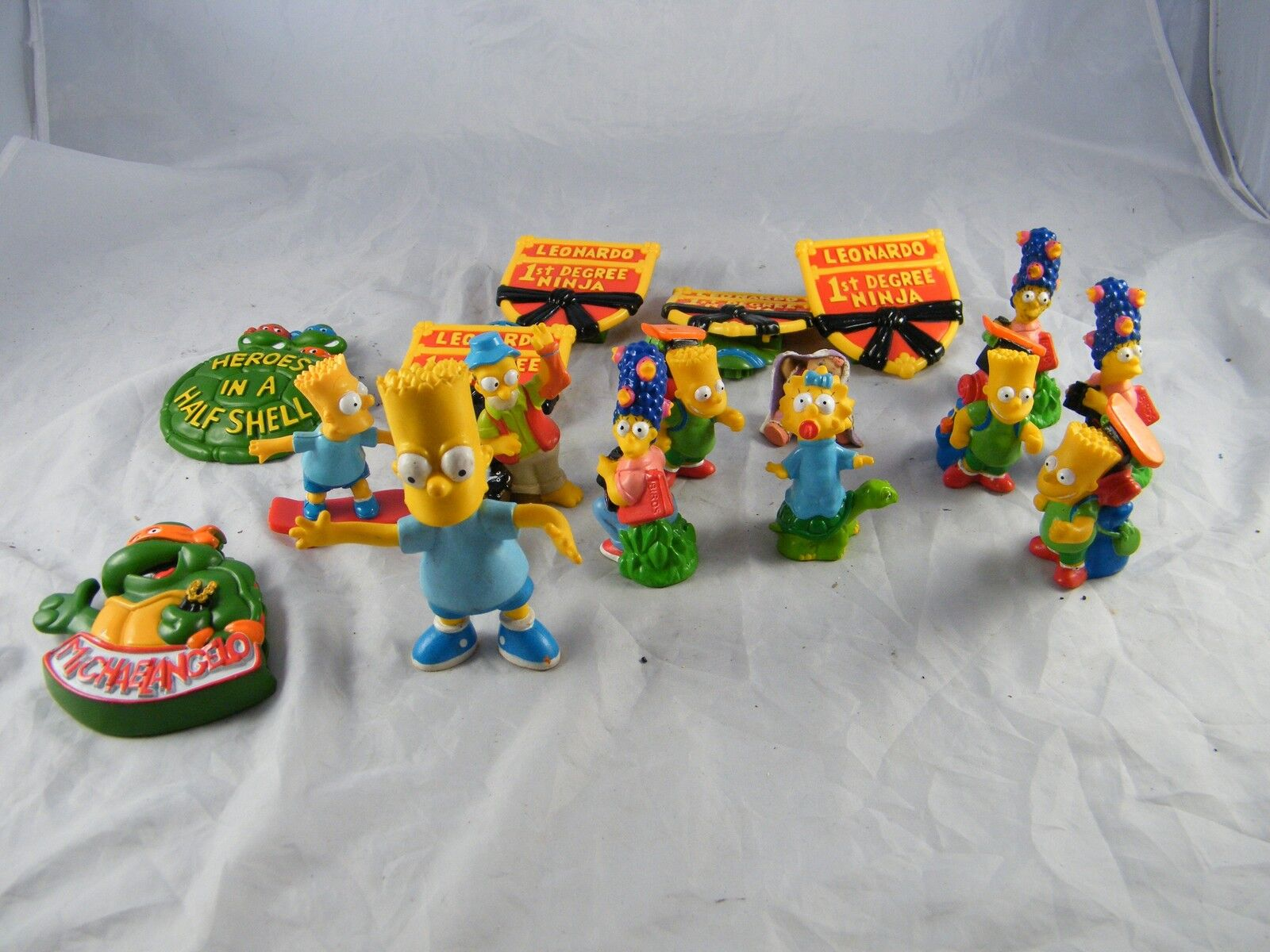 LOT OF MCDONALD'S SIMPSONS HAPPY MEAL TOYS & BURGER KING NINJA TURTLES TOYS