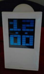 Orologio-sveglia-termometro-calendario-proiettore-a-soffitto-parete