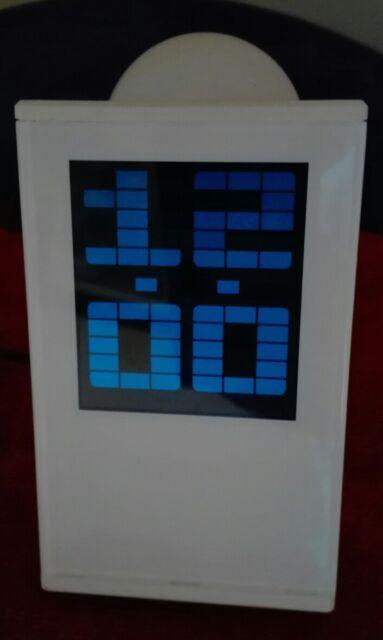 Orologio - sveglia - termometro - calendario - proiettore a soffitto/parete