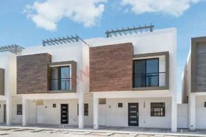 Casa de 3 Niveles en Venta, Villas del Renacimiento, Torreón, Coahuila