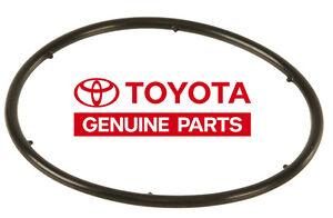 Genuine Engine Oil Cooler Seal for 1996-2011 Toyota 4Runner Land Cruiser Sienna