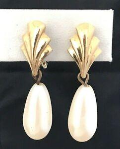 Vintage Monet Earrings Gold Tone Simulated Pearl Estate Retro 1F