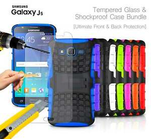 Samsung-Galaxy-J5-2015-antichoc-solide-silicone-stand-coque-amp-verre-trempe