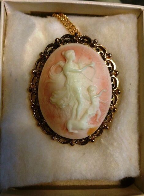 Vintage Greek Goddess with bow and arrow Cameo Necklace Brooch Pendant